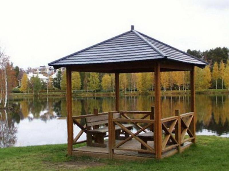 деревянная беседка для дачи из лиственницы