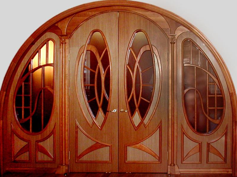 Дизайнерская арочная дверь из массива бука