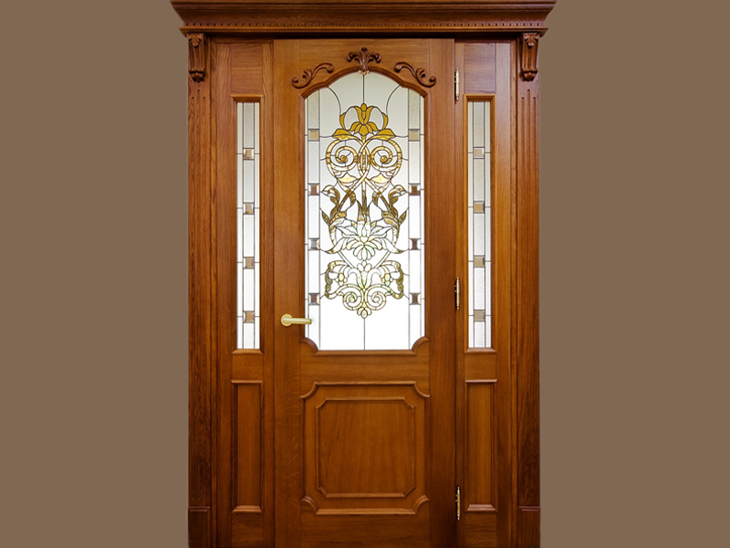 Входная деревянная дверь из дуба с витражным стеклом