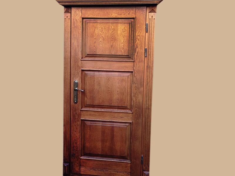 Усиленная входная дверь из массива дуба