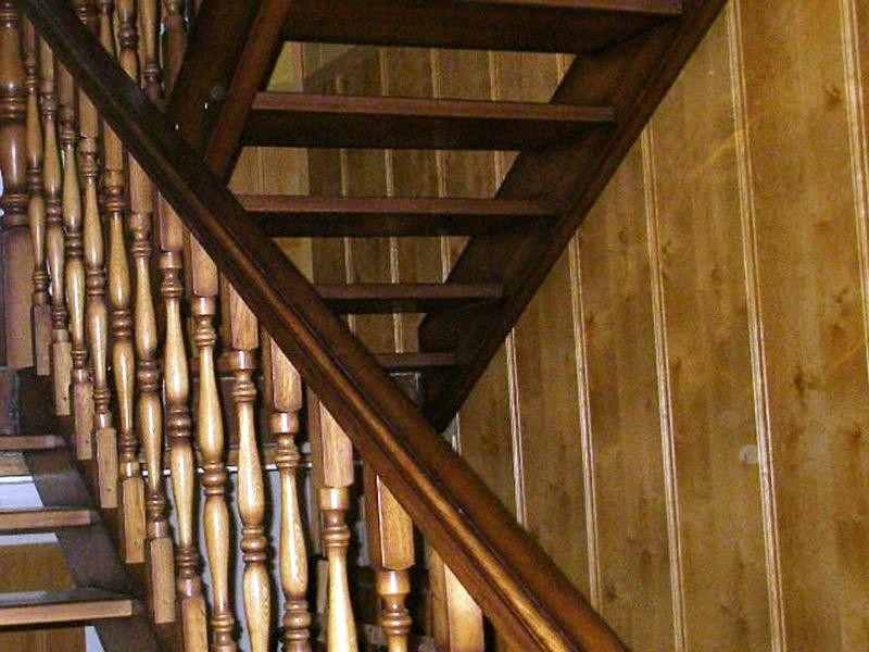 лестница- из-дерева-для-дачи